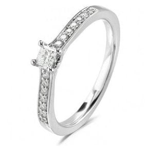 18ct White Gold Princess Cut Diamond ring with Diamond Shoulders