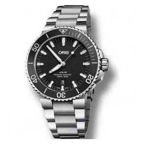 Gents Aquis Date Black Dial Bracelet Automatic Watch